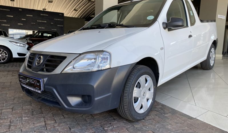 2015 Nissan NP200 1.5 A/C S/C full